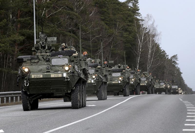 Un regimiento del Ejército de EE.UU. durante unas maniobras en Estonia, cerca de la frontera con Rusia