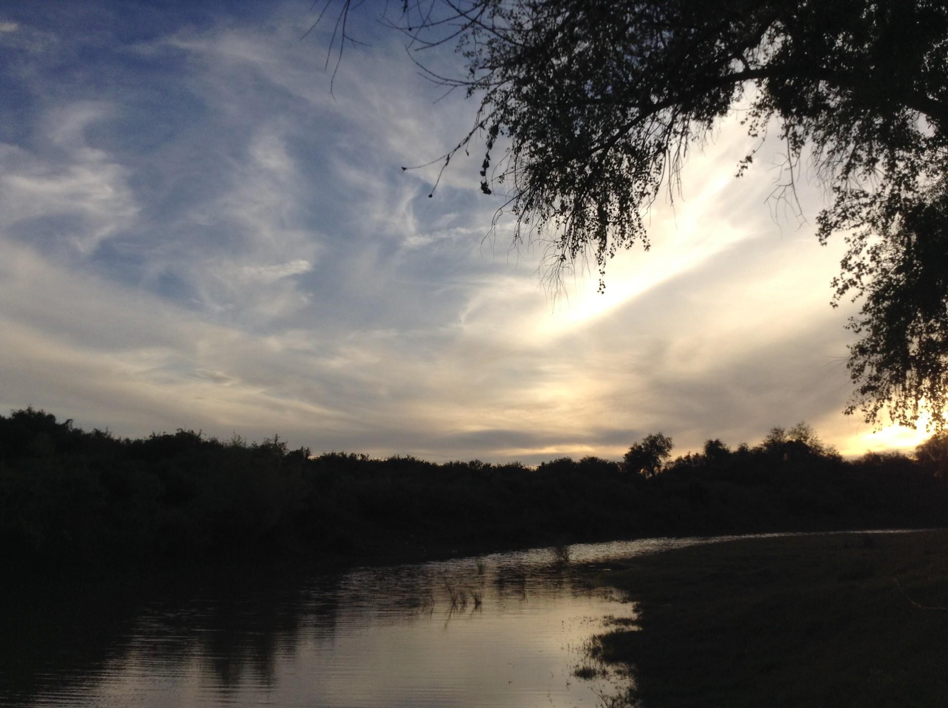Atardecer en el Río Yaqui