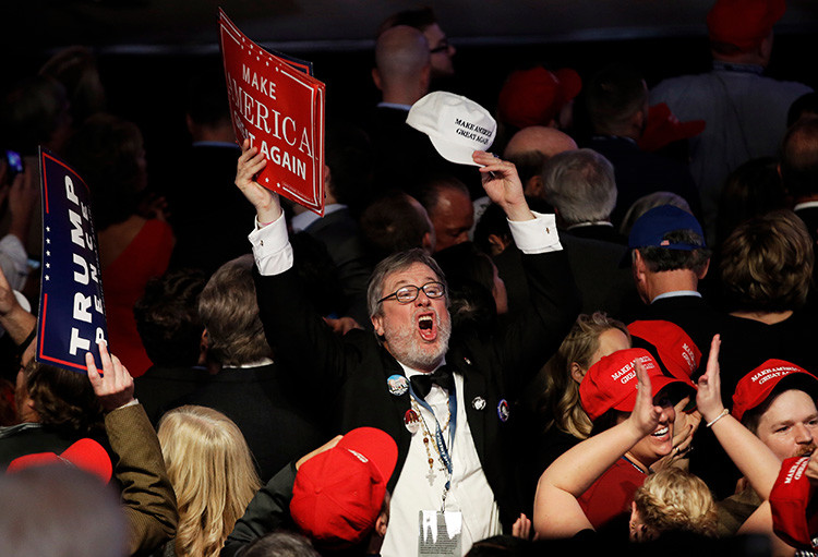 Partidarios de Donald Trump celebran su victoria electoral, Nueva York, EE.UU., 8 de noviembre de 2016
