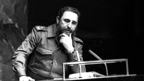 Fidel Castro, presidente del Movimiento de Países No Alineados, pronuncia un discurso ante la ONU en Nueva York, Estados Unidos, el 12 de octubre de 1979.