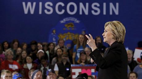 La candidata demócrata a la Casa Blanca, Hillary Clinton, durante un acto electoral en Milwaukee, Wisconsin, 28 de marzo de 2016