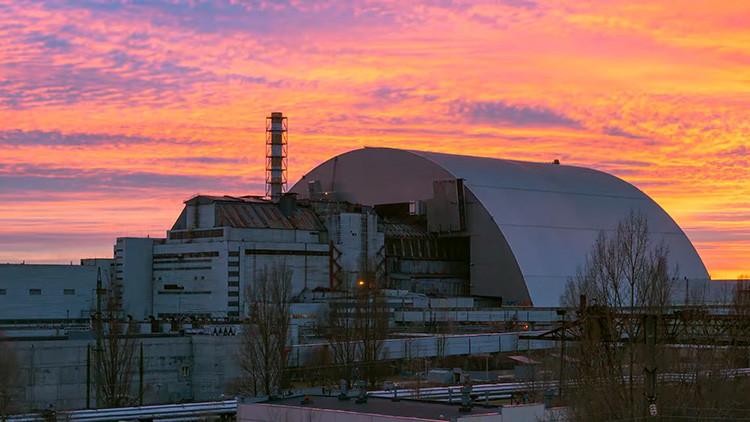 VIDEO: Así es la nueva cúpula gigante que recubre la central nuclear de Chernóbil