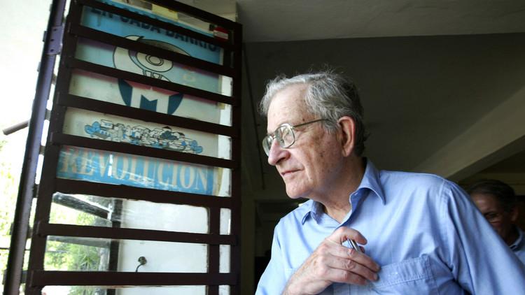 "Noam Chomsky a RT: ""En Europa no importa quién sale elegido"""