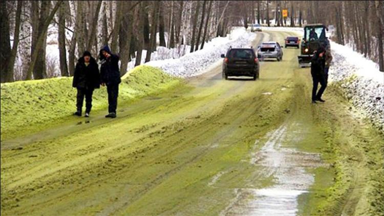 La nieve adquiere un extraño color verde en una ciudad rusa (VIDEO, FOTOS)
