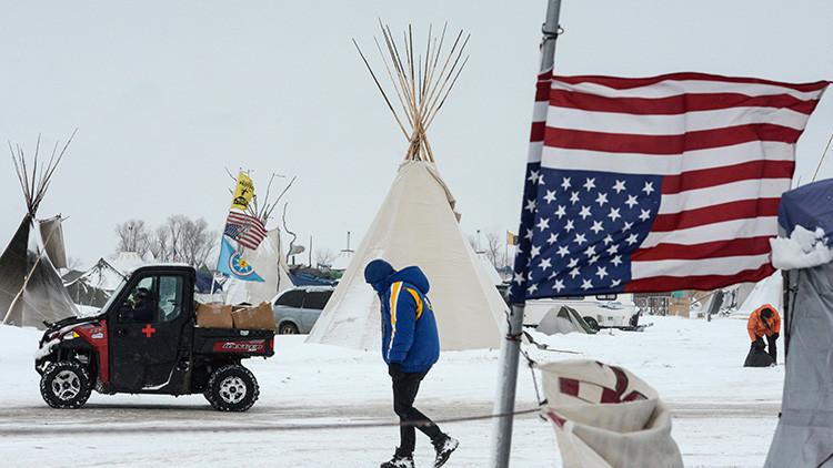 Un escudo humano de veteranos protegerá a los manifestantes contra el polémico oleoducto de EE.UU.