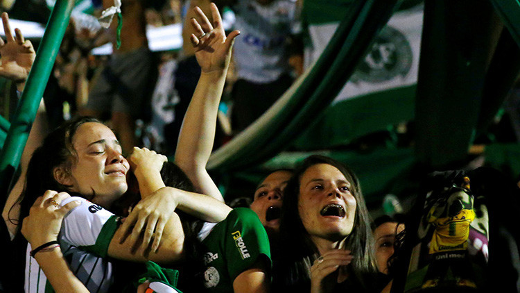 Las esposas de los futbolistas del Chapecoense se tatuaron algo 'premonitorio' antes de la tragedia