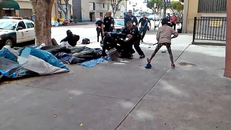 EE.UU.: Absuelven a los policías que mataron a un vagabundo (VIDEO)
