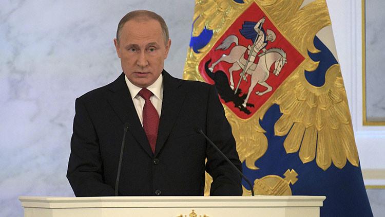 """Vladímir Putin: """"El intento de crear un mundo unipolar se ha derrumbado"""""""