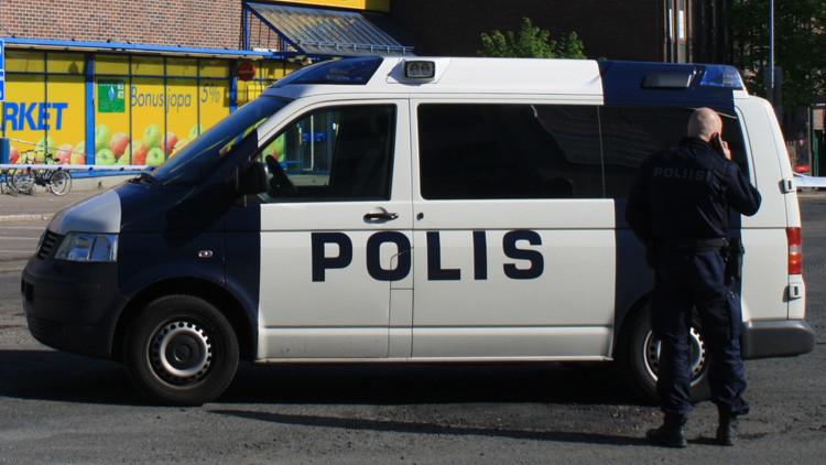 Matan a tiros a una política y dos periodistas en Finlandia