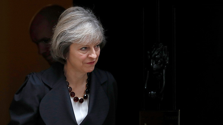Theresa May cree que los abusos de DD.HH. no deben afectar al comercio con el golfo Pérsico