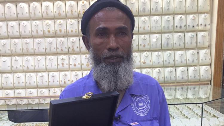 Efecto inverso: una burla causa lluvia de regalos para un inmigrante en Arabia Saudita