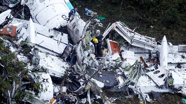 El piloto del avión siniestrado de LaMia se enfrentaba a juicio y había una orden para arrestarlo