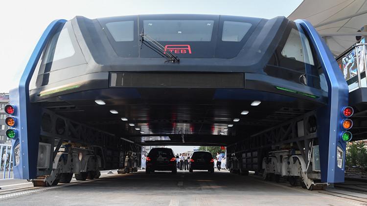 El fracaso del siglo: ¿Por qué el 'autobús antiatascos' causa el caos en China?