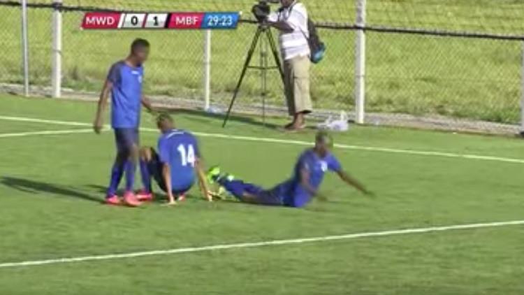 Promesa del fútbol muere luego de marcar un gol (FUERTE VIDEO)