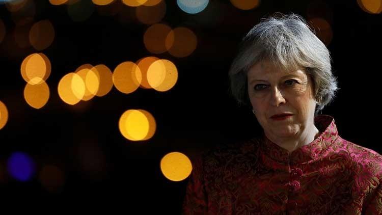 La primera ministra británica, blanco de críticas por sus pantalones (FOTO)