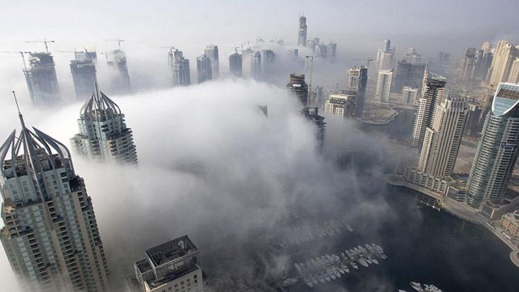 Una densa niebla deja una sobrecogedora vista de Dubái (FOTOS)