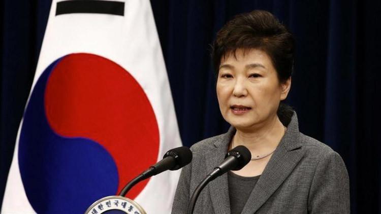 Parlamento surcoreano presenta formalmente una moción para juicio político contra la presidenta