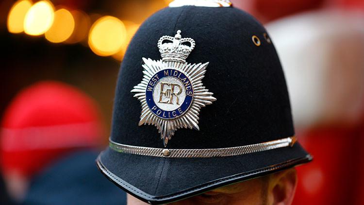 Acusan de explotación sexual a más de 300 policías en el Reino Unido
