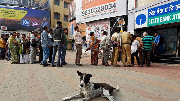 El crecimiento de la economía india, amenazado por la lucha contra el 'dinero negro'