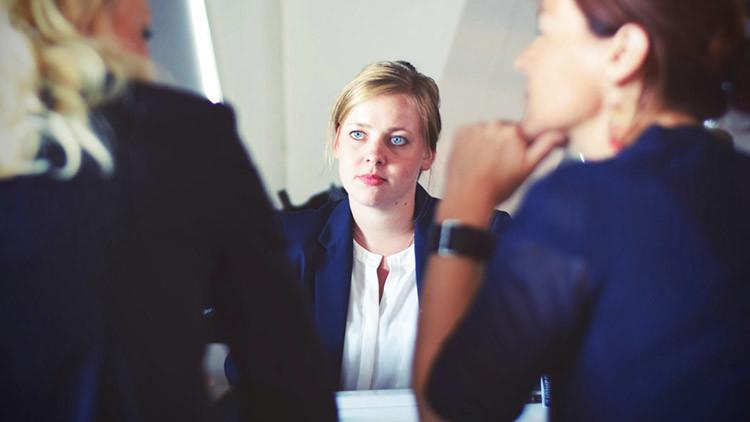 Exitosos gerentes revelan las diez preguntas que lo pueden 'matar' en una entrevista laboral