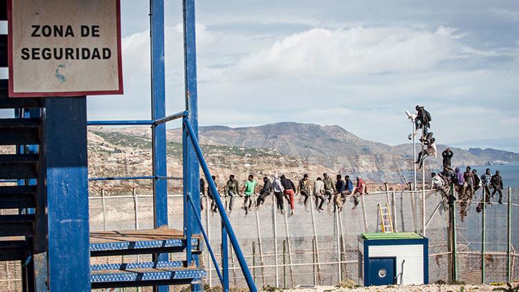 España sufre uno de los asaltos más masivos a la valla fronteriza de Ceuta