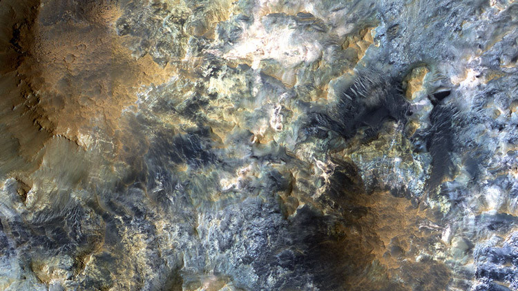 Estas imágenes del valle más grande de Marte le dejarán sin aliento