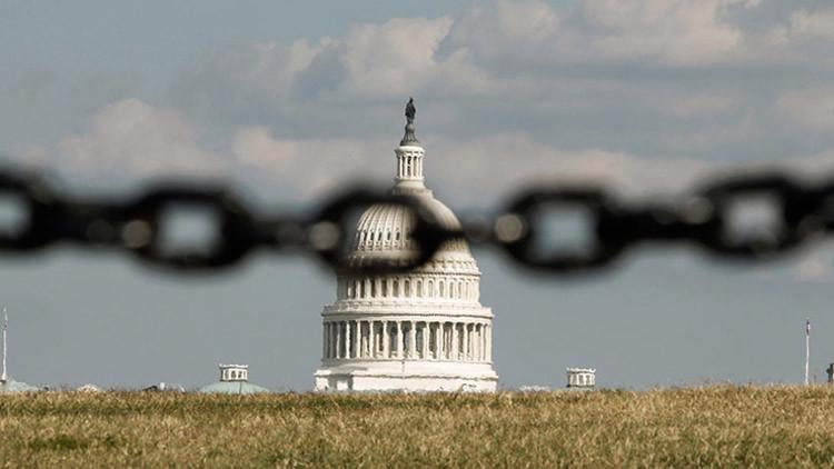 El Senado de EE.UU. aprueba una ley provisional para evitar una parálisis gubernamental
