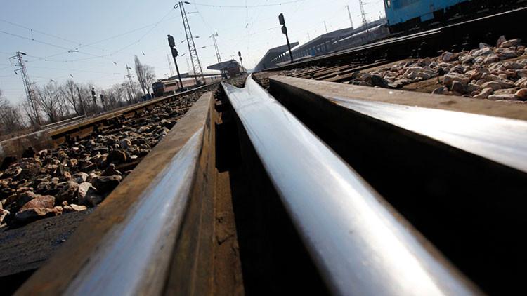Foto: Fallecen 5 personas por una explosión tras descarrilar un tren de carga en Bulgaria