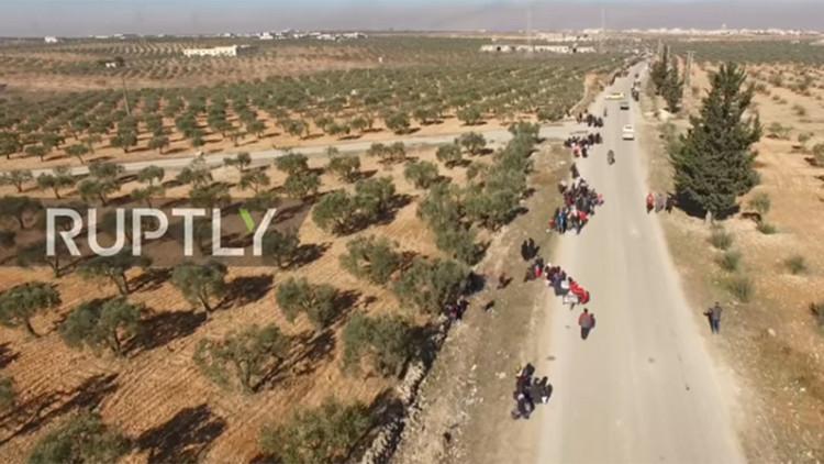 Un nuevo video captado con un dron muestra la salida masiva de los civiles desde Alepo