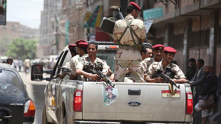 Un ataque suicida deja al menos 50 soldados muertos en Yemen