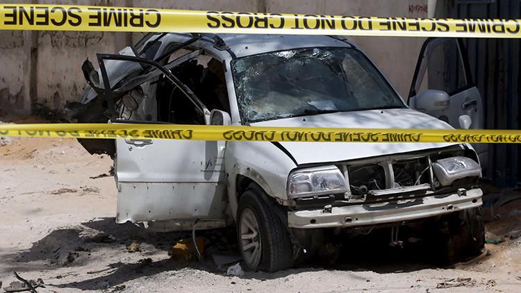 La explosión de un auto bomba sacude la capital de Somalia