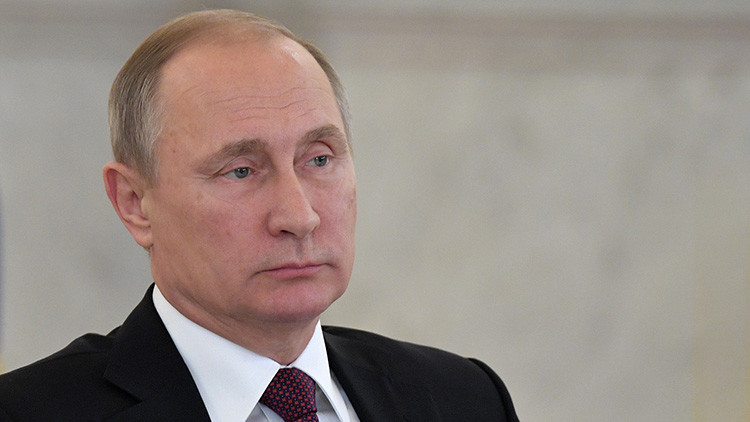 Putin revela qué armamento ofrece Rusia al mercado internacional