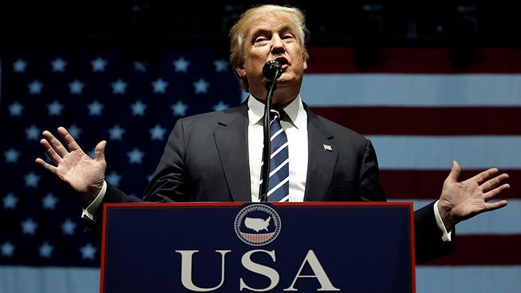 """Trump se burla de """"la teoría de la conspiración"""" de los 'hackers' rusos"""