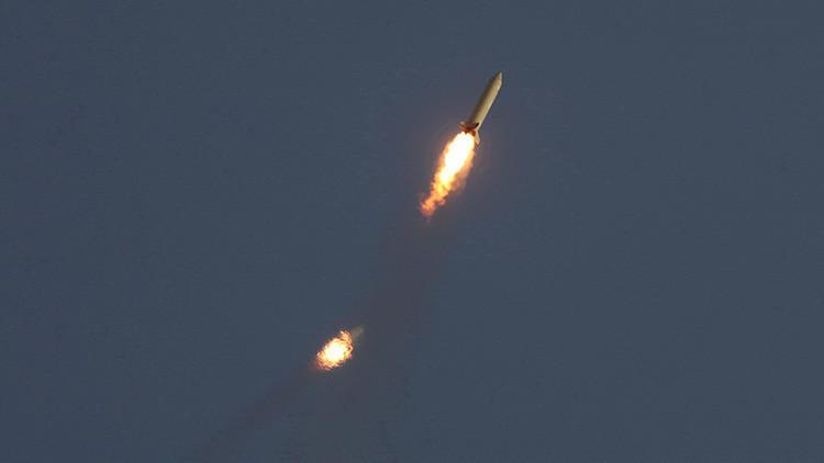 Irán prueba sus nuevos misiles interceptores durante unos simulacros a gran escala