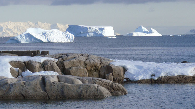 La Atlántida podría encontrarse bajo el hielo de la Antártida