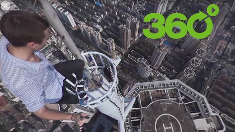 Altura peligrosa: Dos 'roofers' rusos se apoderan de un rascacielos en China