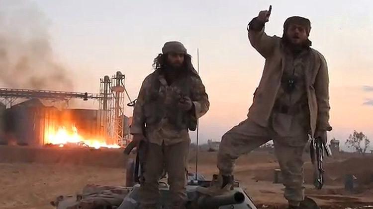 'The Independent': EE.UU. permitió al Estado Islámico salir de Irak para asaltar Palmira en Siria