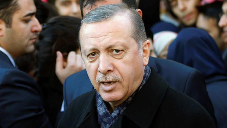 El presidente de Turquía llama a la movilización nacional