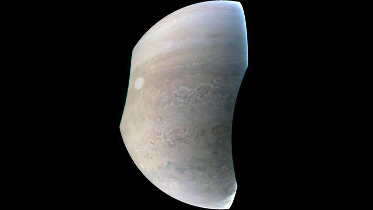 Fotografían una 'perla' en Júpiter del tamaño de la Tierra