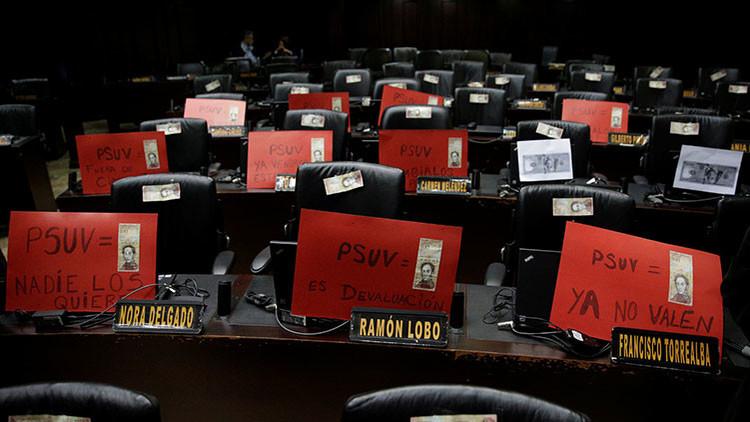 Diputados de la oposición venezolana piden sanciones a sus colegas de la MUD