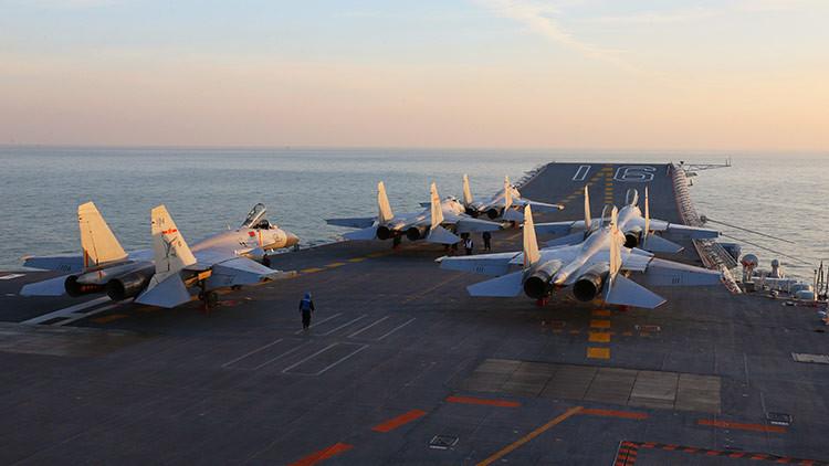 VIDEO: China prueba por primera vez su portaaviones Liaoning
