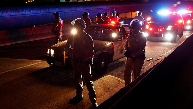 Policía de California mata a un mexicano al confundir un enorme crucifijo con un arma
