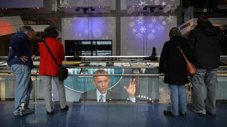 """Obama: """"Ronald Reagan se revolcaría en su tumba"""" al saber del apoyo en EE.UU. a Putin"""