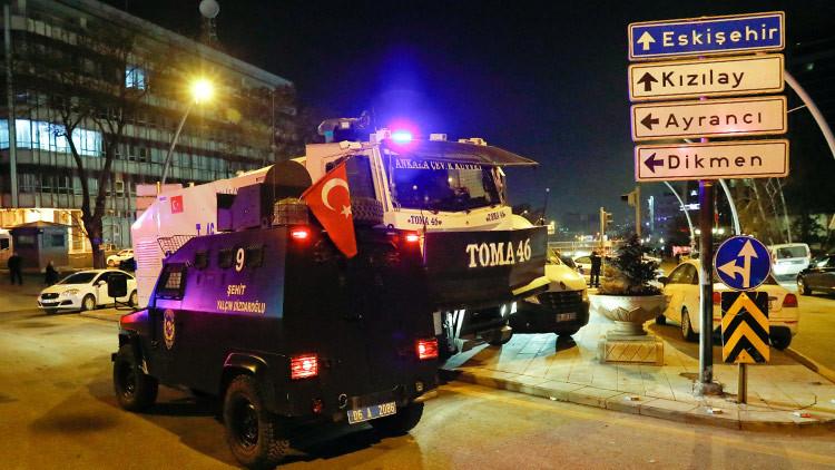 Primeras imágenes: Muere el embajador ruso en Turquía tras un atentado