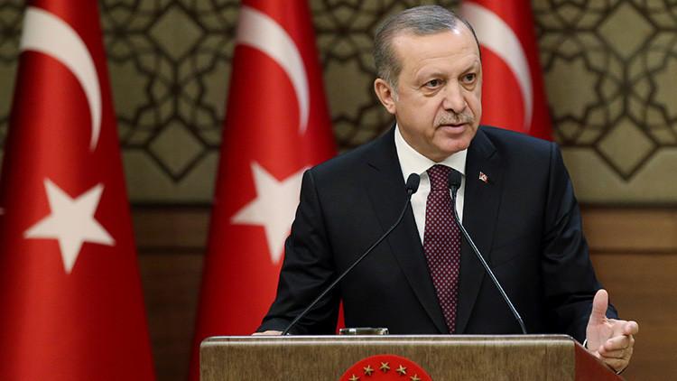 """Erdogan: """"La idea del asesinato del embajador ruso es empeorar las relaciones entre Moscú y Ankara"""""""