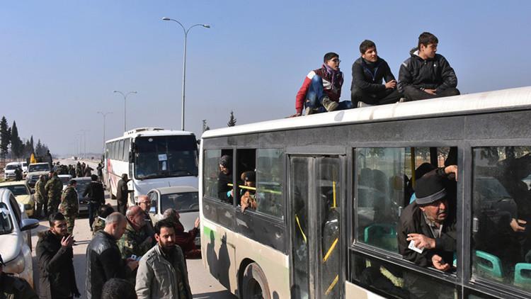Se eleva hasta 37.500 personas el número de evacuados de Alepo