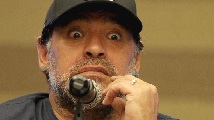 Polémica por una fotografía de caza de Maradona con un animal en peligro de extinción (FOTO)