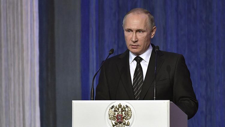 Putin llama a aumentar la cooperación con los servicios de inteligencia internacionales