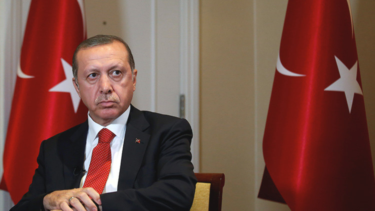 Erdogan asegura que el asesino del embajador ruso tenía lazos con la red de Gulen