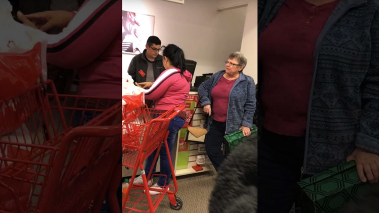 """""""Hablen inglés, están en EE.UU."""", recrimina una anciana a dos latinas en una tienda (VIDEO)"""